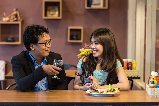 flirt, smalltalk, flirten, gespräch, frühling, tipps, netzwerken, networking,