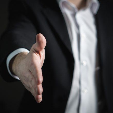 Handshake, Smalltalk, Smalltalk lernen, Online Smalltalk, Kurs
