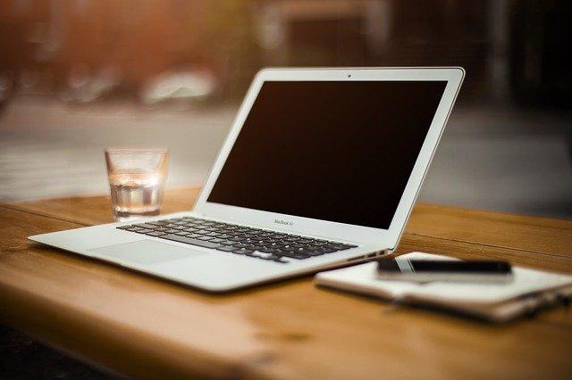 homeoffice, kaffeepause, virtuelle konferenz, netzwerken, networking